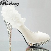 Shoes Women Rhinestone Women Pumps Red White Lace Flower High Heel Shoes Platform Wedding Shoes 2017 Fashion High Heels