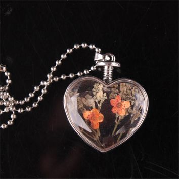 2017  Hot Trendy Jwelry Transparent Glass Made Dry Flower Inside Heart Pendant Necklace Valentine's Day Gifts Necklace For Women