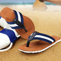Striped V-strap Mens Summer Beach Sandals