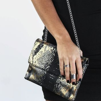 Faux Snake Skin Fashion Black Clutch