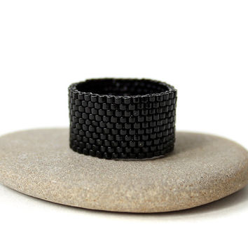 Wide black ring Black unisex ring Black ring band Black goth ring Black minimalist ring Black peyote ring Black bead ring Black ace ring