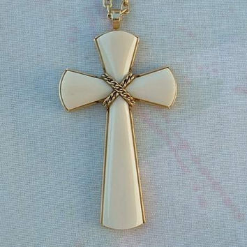 AVON Beige Cross Pendant Necklace Vintage Religious Jewelry