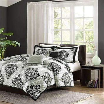 Twin - Twin XL 4-Piece Black White Damask Print Comforter Set