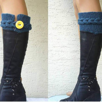 Womens short boot cuffs, cable knit boot cuffs with a button, knitted leg warmers,  Winter Fashion, winter accessories, gift for her