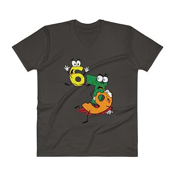 Why was 6 Afraid of 7 Seven Ate Nine Cute Zombie Pun V-Neck T-Shirt