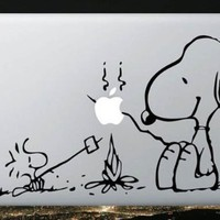 Apple Macbook Vinyl Decal Sticker - Snoopy and Woodstock Campfire:Amazon:Everything Else