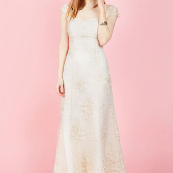 Eye for the Divine Maxi Dress in Ivory