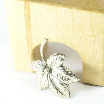 Maple Leaf Brooch, Sterling Silver, Excellent Vintage, All Occasions, Guaranteed
