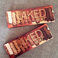 NAKED HEAT 12 COLORS EYE SHADOW