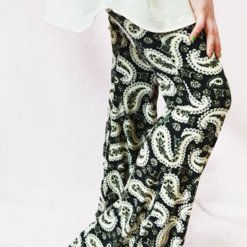 lil' belle paisley print flare pants - black/cream