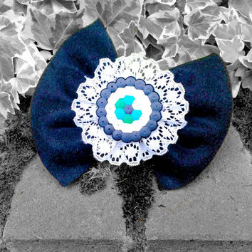 Eyeball Hair Bow, Kawaii Hair Bow, Kawaii Hair Clip, Pastel Goth Hair Bow, Gothic Lolita Hair Bow - Blue Eyeball and Black Felt