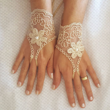 Lace bridal gloves Beige burlap little gold 3D flower pearl free ship brides bridesmaid bridal shower gift rustic wedding beach wedding