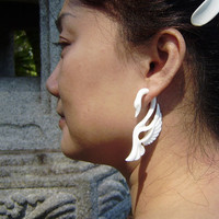 Fake gauges Swans Wing White Bone Split Gauge Earrings Fancy Craved Feather
