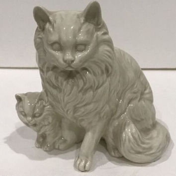 Vintage Takahashi White Glazed Porcelain Long Hair Cat & Kitten Figurine Japan