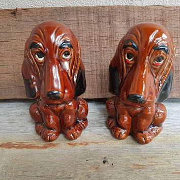 Vintage Dogs Salt And Pepper Shakers , Enesco Sad Eyed Hound Dogs , Made In Japan