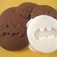 BATMAN inspired COOKIE STAMP recipe and instructions - make your own Batman inspired Cookies