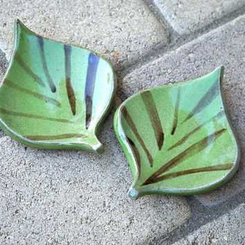 Ceramic dishes, leaf dishes, ceramic leaf plates, handmade, pottery plates, green dishes, ceramic plates
