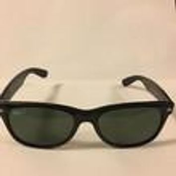 Ray-Ban Sunglasses Wayfarer Polarized- Slightly Crooked