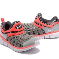 DCCKO03T NIKE DYNAMO FOR KID Color Grey&Orange Running Shoes