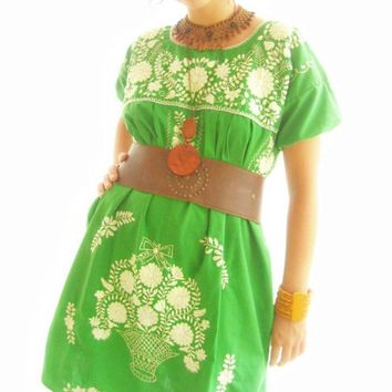 El Arbol green Mexico embroidered puff sleeve ethnic dress
