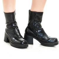 Vintage 90's Chunky Everyday Boots - US 8