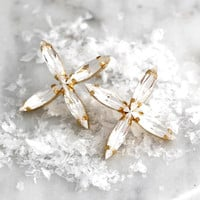 Bridal Earrings, Snow flake Earrings, White Crystal Earrings, Whinter Wedding Jewelry, Bridesmaids Earrings, Christams Earrings,Bridal Studs