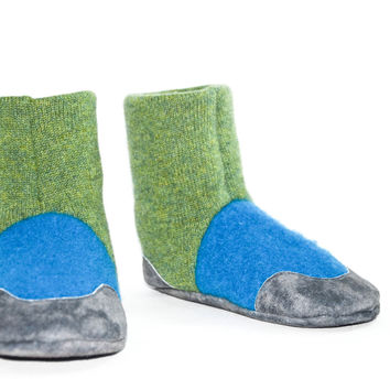 Cashmere Slipper Socks With Non Slip Leather Soles, Kids Eco friendly Cashmere Boots, Barefoot Shoes. Size: USA Kids 7.5 to youth 2.5