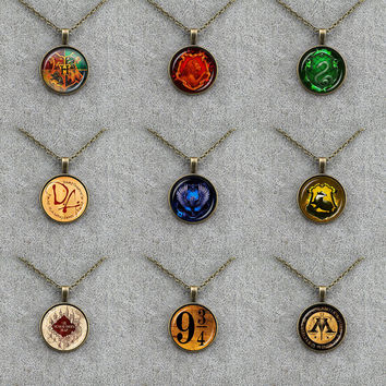 Gryffindor Hufflepuff Slytherin Ravenclaw College Logo Necklace Magic Vintage Movie Jewelry Necklace For Party