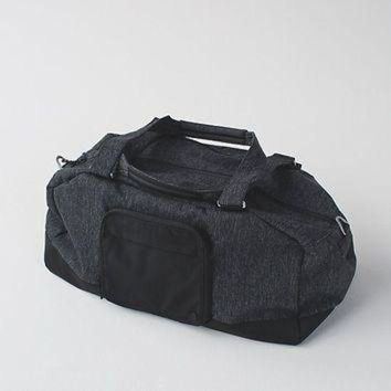 CREY2NO city sweat duffel | men's bags | lululemon athletica