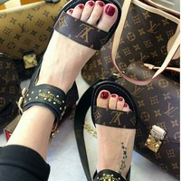 【Louis Vuitton】Women Sandal High Top LV One word with flat bottom high boots Sandals Coffee Color Slippers