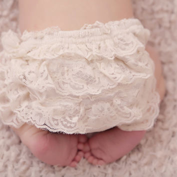ivory lace diaper cover - Diaper cover - lace bloomers - Newborn Diaper Covers - Bloomers - Ruffle Bloomers - toddler - Girls- Baby