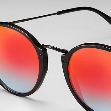 Ray-Ban ROUND FLECK FLASH LENSES GRADIENT Black, RB2447 | Ray-Ban® USA