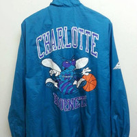 Vintage 1980s CHARLOTTE HORNETS Pro Player Windbreaker Basketball Track Trainer Bomber Nylon Jacket
