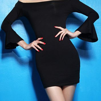 Streetstyle  Casual Off Shoulder Plain Bell Sleeve Bodycon Dress
