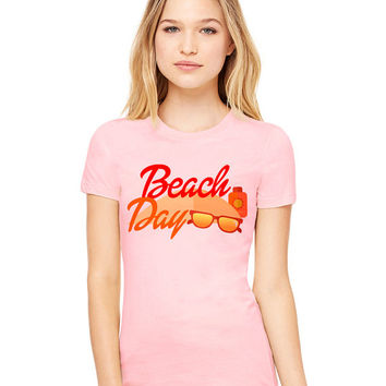 Light Pink Tshirt - Beach Day - Funny Tee T-Shirt Mens Ladies Womens Beach Summer Outfit Spring Sand Sunglasses