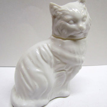 Vintage Avon Cat Decanter / Bottle Figurine, It Is EMPTY