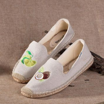 Soludos Women Platform Coconut Embroidery Slipper