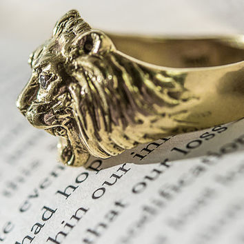 Powerful 18k Gold Antique Lion's Head Ring.  Hefty Unisex Ring: Roaring Lion.  Diamond Eyes Ring.