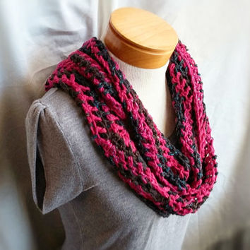 Crochet spring cowl scarf Cotton Black and Pink with sparkle chevron women's teen's cowl scarf  crochet cotton blend  loop wrap shrug