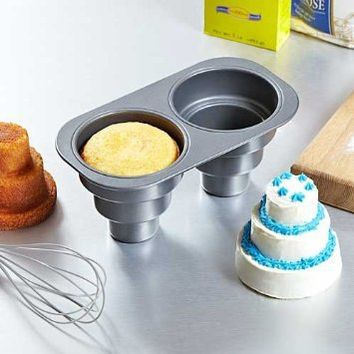2 Cavity Three Tier Cake Pan: Kitchen & Dining