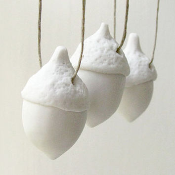 Christmas Tree Ornaments - Free Worldwide Shipping -  White Porcelain Acorn Ornaments - Set of 3