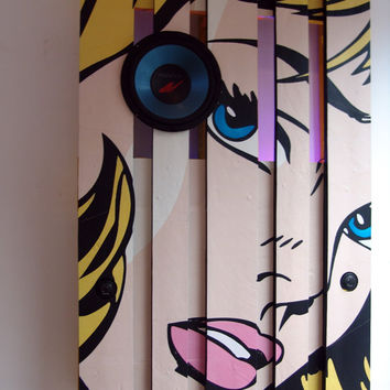 Pop-art Themed Pallet as a functional wall decoration, stereo, bluetooth, lamp, QI wireless charger, decor,