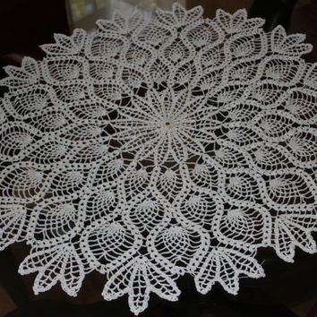 Crochet Pineapple Doily, Doilies, Table Centerpiece, Tablecloth, antimacassar, Crochet Thread