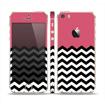 The Solid Pink with Black & White Chevron Pattern Skin Set for the Apple iPhone 5s