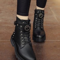 New Black Round Toe Flat Rivet Fashion Ankle Boots