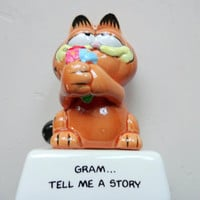 Vintage Garfield Gram Tell Me A Story Ceramic Statue 1978