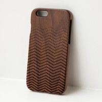 Chevron Wooden iphone case - real wood engraved walnut case for iphone 6, iphone 5