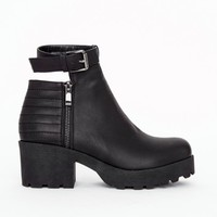 Missguided - Sam Quilted Detail Buckle Ankle Strap Boots