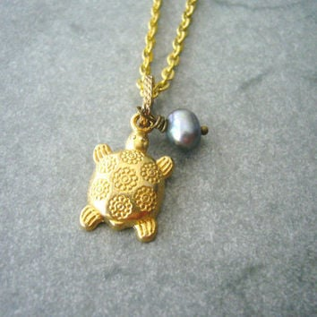 turtle necklace. charm necklace. gold. pearl necklace
