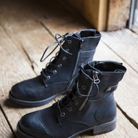 Tilley Canvas Combat Boot, Black | Dirty Laundry